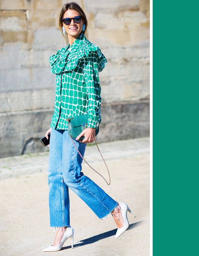 This wash typically has some fade to it in certain areas. Kelly green complements medium-wash jeans by bringing out the darker shading found in the denim and by contrasting the lighter areas with...