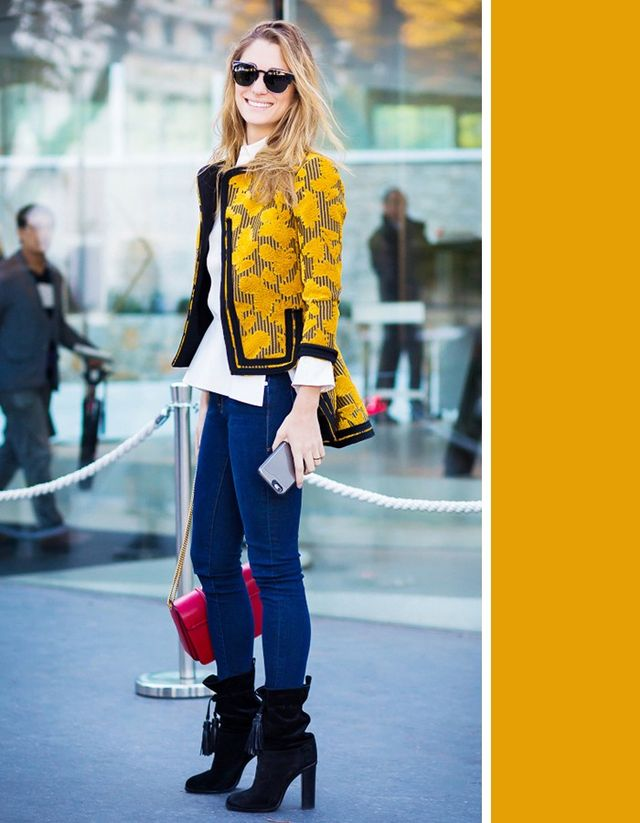 When given the darkest wash of denim, why not pair it with one of the lightest and brightest colors that come to mind—yellow? Therich dark-blue color will make your yellowseem...