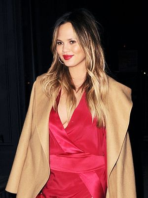 Chrissy Teigen Has a Foolproof Colour Combo to Stand Out on Date Night