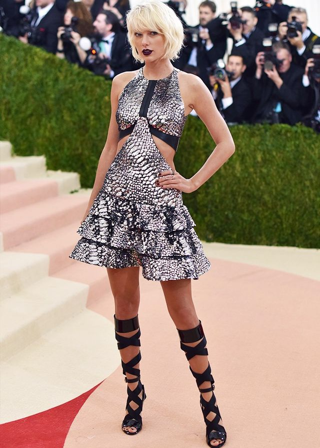 Taylor Swift at the 2016 Met Gala, wearing Louis Vuitton.