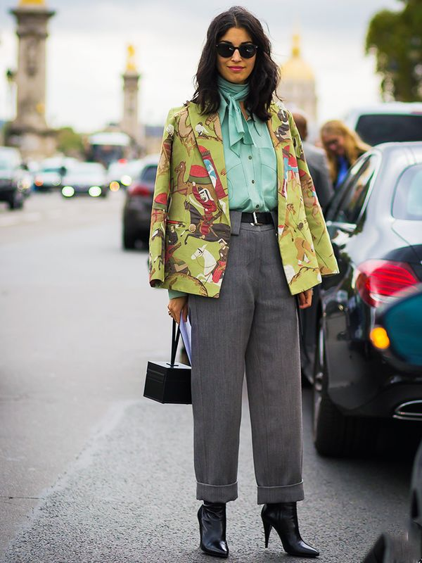 How to Wear a Scarf: the blouse extension