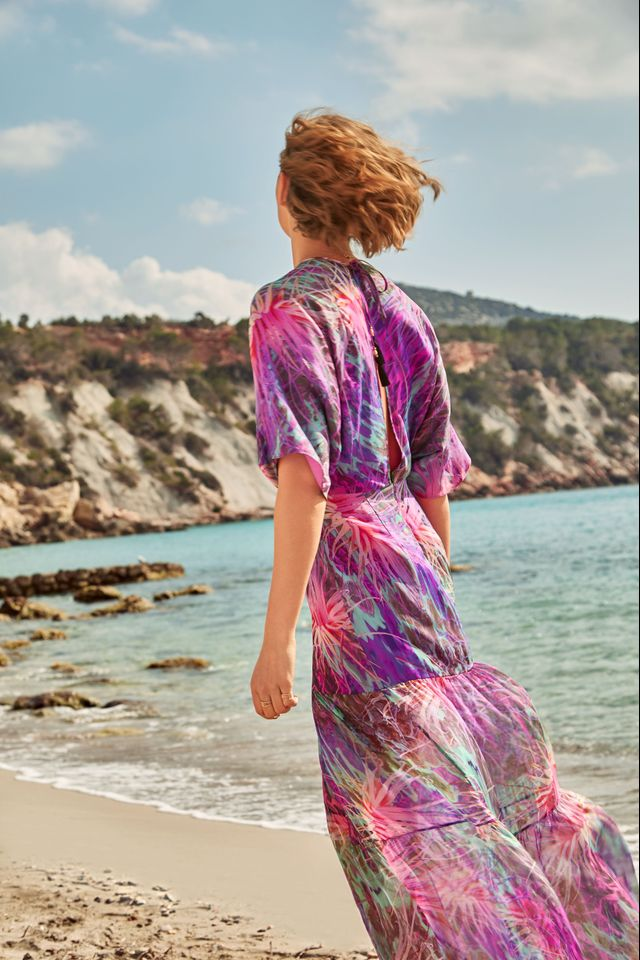 WWW: What's your favourite summer holiday look for women? MW: Vivid colour and an unexpected juxtaposition of print. Holidays let you step out of your usual style and be more...