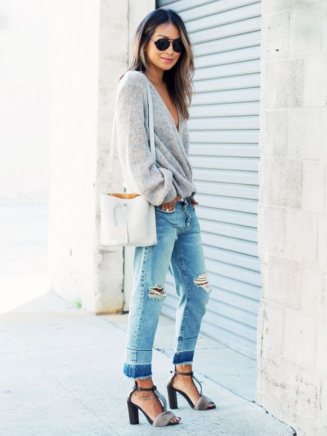 Bluejeansare practically mandatory on the West Coast, and usually paired with equally laid-back favorites like cozy sweaters and walkablesandals.