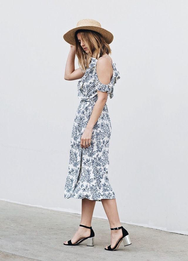 Sundressesin L.A. can be spotted styled with straw hats and cute chunky sandals.