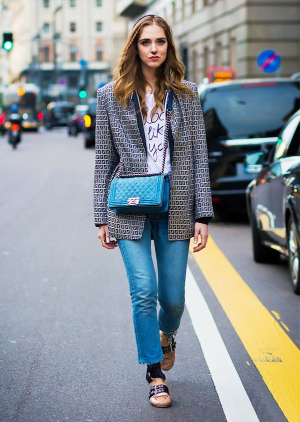 Swap neutral shoes out for pale pink with casual outfits.