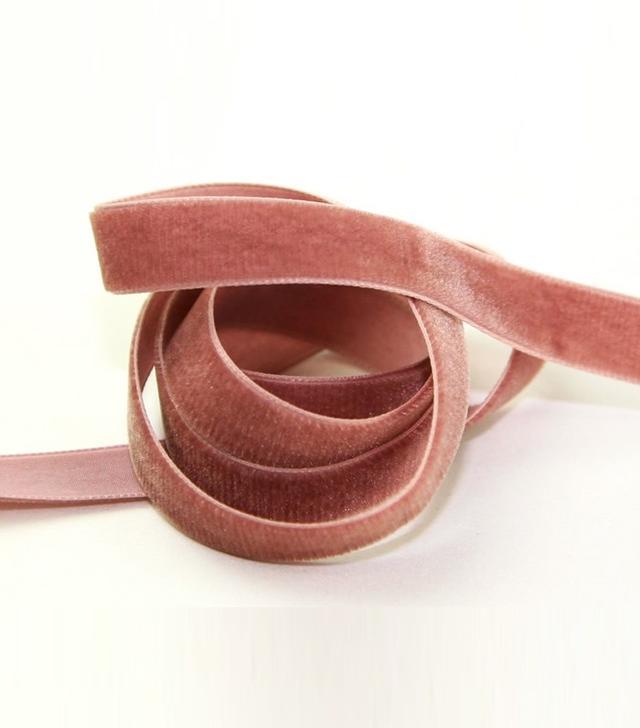 Berisfords Velvet Ribbon in Dusty Rose