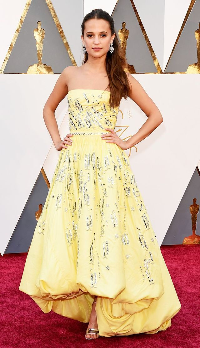 Alicia Vikander's strapless Louis Vuitton gown at the Oscars reminded us of Belle in the best way possible.
