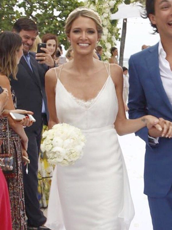 calvin klein wedding dresses this s wedding gown has the most stunning back we 2391