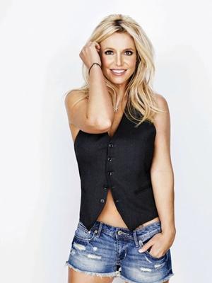 See Inside Britney Spears's Fabulous Malibu Airbnb