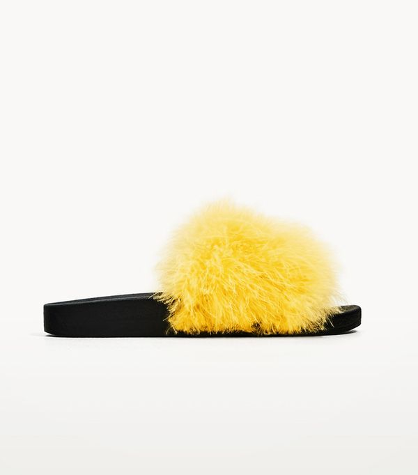 Crop top outfits: Zara Feather Slides