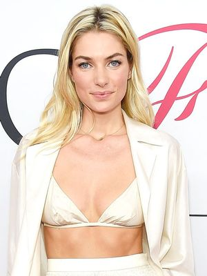 Jessica Hart Wore a Bra and Pyjamas on the Red Carpet