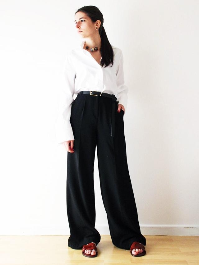 On Aria Di Bari: Zara Contrast Leather Slides(£36).