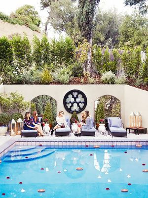 The 6 Best Celebrity Backyards We've Seen