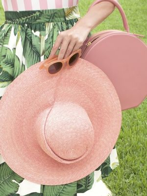 This It Blogger Is Pretty in Pink (and Palms!)