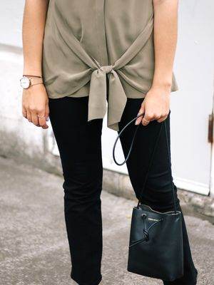 This Office-Ready Summer Look Incorporates 4 Stylish Trends