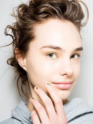 Melbourne Girls Know to Avoid These Skin-Damaging Habits