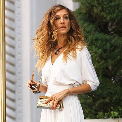 I Still Care About Carrie Bradshaw's Outfits Way More Than I Should