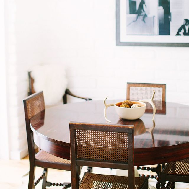 Here's How a Los Angeles Interior Designer Styles Her Beach Home