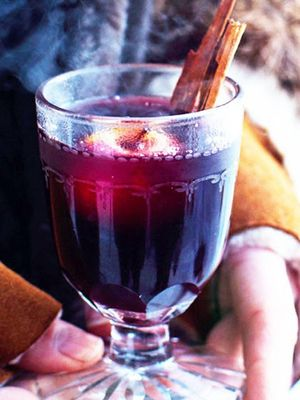 How to Make Mulled Wine at Home for Your Warmest Weekend in Weeks