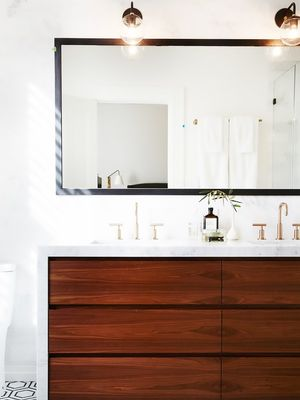 Micro Makeover: The Only Things You Need for a Bathroom Overhaul
