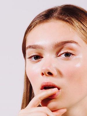 5 Editor-Approved Winter Lip Balms