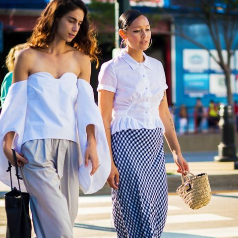 How to wear maxi skirt: Try gingham