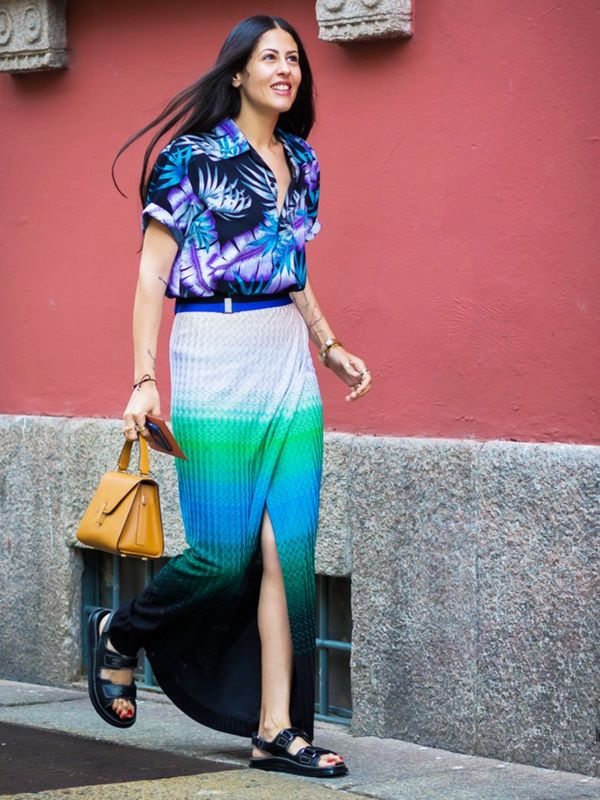 How to wear maxi skirt: Don't forget your holiday maxi skirt