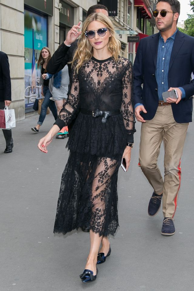 Pretty and relaxed is the way you want to play it for your date night and this is what Olivia does best. Teaming a delicatelace dress with a knotted belt for shape, leaving her arms and legs...