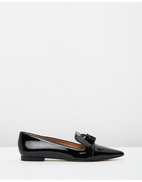 The Mode Collective Tassel Point Loafer