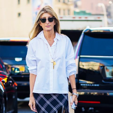How to Wear a Maxi Skirt Without Looking Dated
