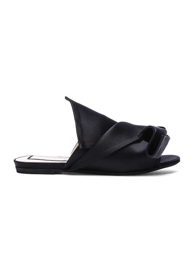 No. 21 Knot Front Sandal