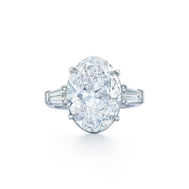 Kwiat Oval Diamond Engagement Ring