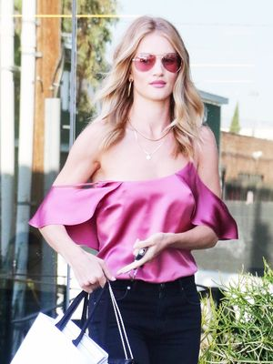 Rosie Huntington-Whiteley Styled Summer's Biggest Trend in the Most Elegant Way