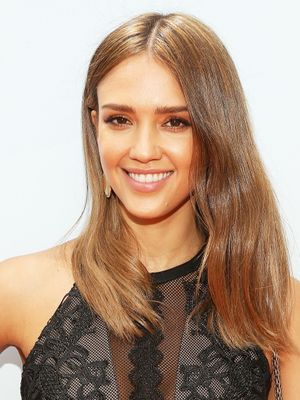 Jessica Alba's Makeup Artist Uses This £6 Eye Product to Hide Blemishes