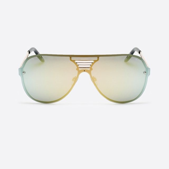 Quay Showtime Sunglasses in Gold