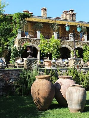 This Tuscan-Inspired Home and Garden Will Make All Your Italian Dreams Come True