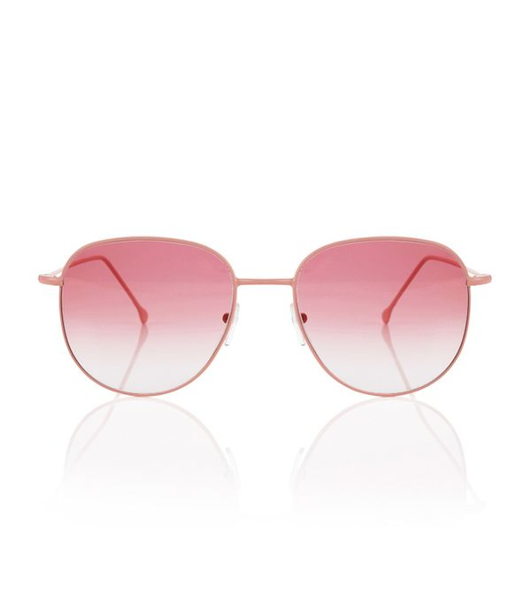 How to wear a white shirt: Pink prism sunglasses