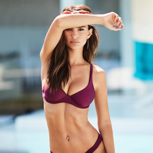 The #1 Swimsuit Trend to Try Right Now, According to Emily Ratajkowski