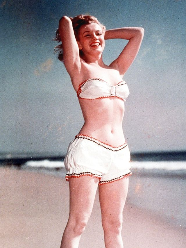 These Old Pictures of Marilyn Monroe in Swimsuits Are ...