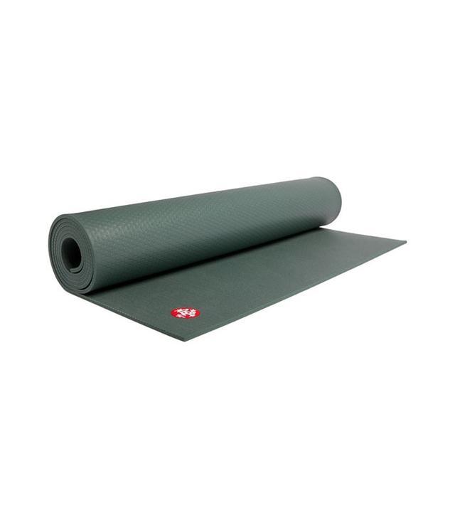 yoga matt - selena gomez body