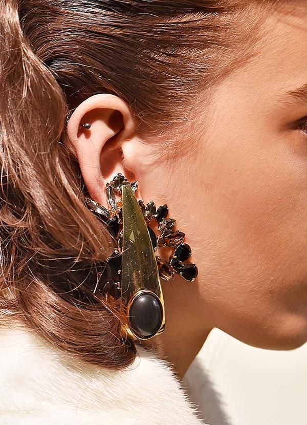 A/W 16 Buy #1: Shoulder-Grazing Earrings