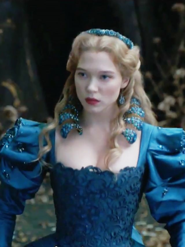 How To Create Belles Hairstyle From Beauty And The Beast : Léa seydoux looks stunning in the beauty and beast trailer