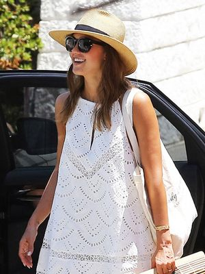 Jessica Alba Just Wore the Bag With a Cult Following