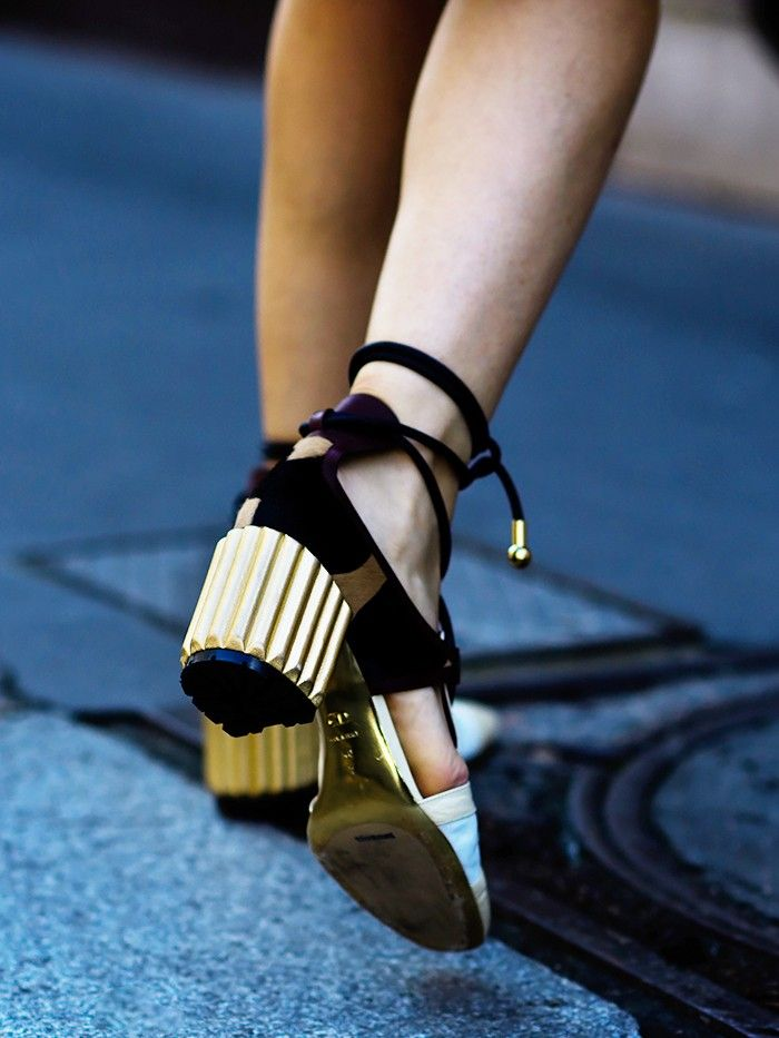 Small Feet? Buy Your Shoes Here | Who What Wear