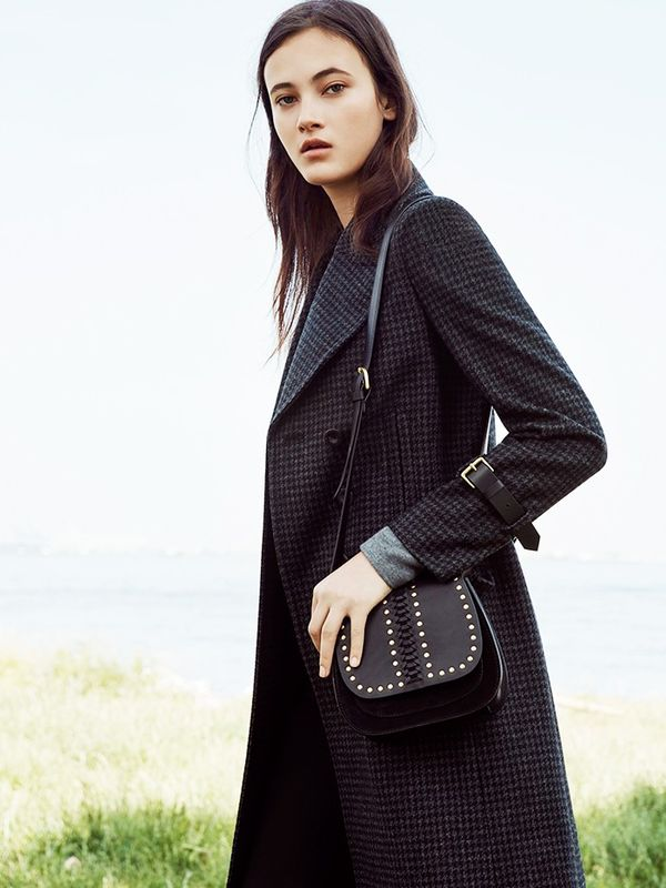 A classic coat for the upcoming cooler months. It's already on our shopping list.