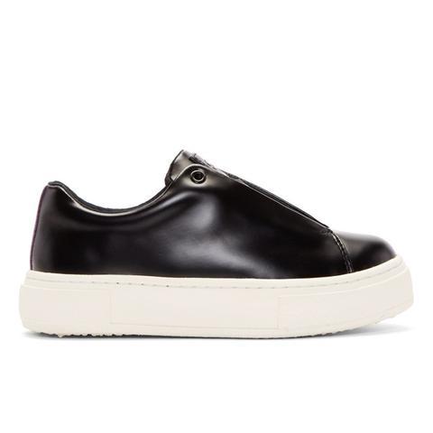 Doja Low Top Sneakers