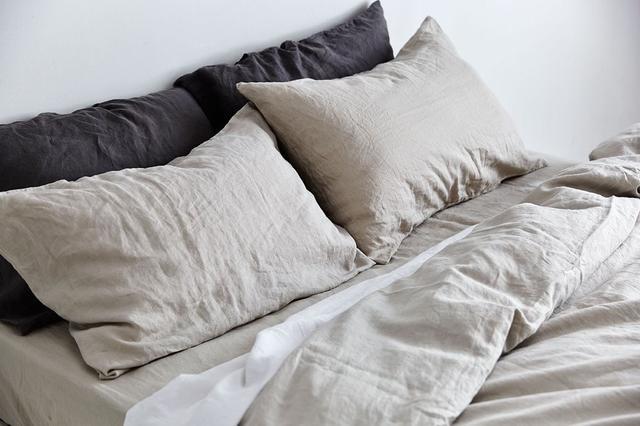 IN BED 100% Linen Duvet Cover in Dove Grey