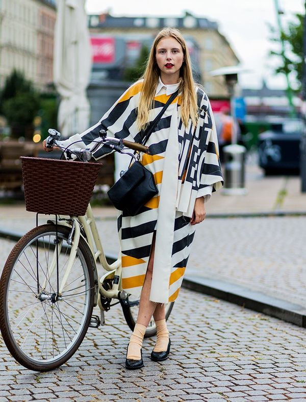 Style Notes: Cycling around this city—and around Fashion Week—is totally the norm. So girls have got to grips with what works: low heels and voluminous shapes you can move it or at...
