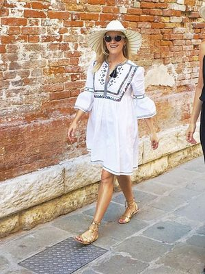 What Reese Witherspoon Wears for a Girls' Trip to Italy