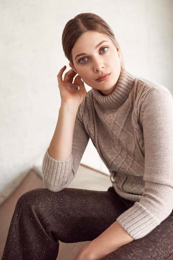 A turtleneck and relaxed pantsmake an effortless duo.